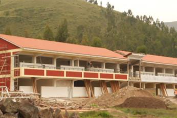 Colegio en Canchis-Cusco (Perú)
